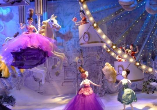 Paris-Perfect-Printemps-Christmas-Windows-2012-Dior-Ferris-Wheel-Puppets