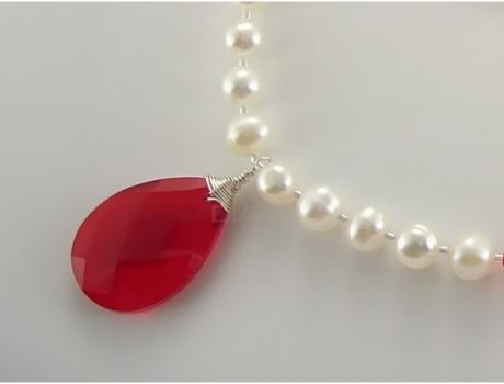 set-bijuterii-perle-de-cultura-cu-pandantiv-preciosa