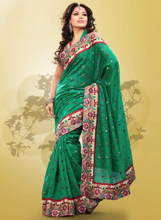 DIFFERENT-STYLES-OF-SAREE-DESIGN