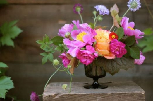 Pink-peony-bouquet-1