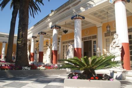 Palatul Achillion sau blestemul împărătesei Sissi  Palatul Imparatesei Sissi din Insula Corfu, Grecia. Resedinta estivala
