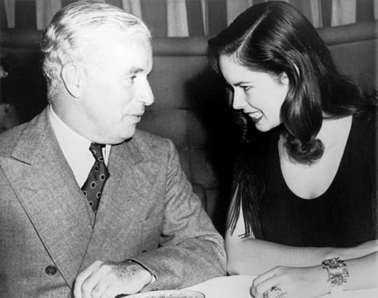 Oona O'Neill (13 mai 1925 - 27 septembrie 1991) - a patra soție a lui Chaplin.