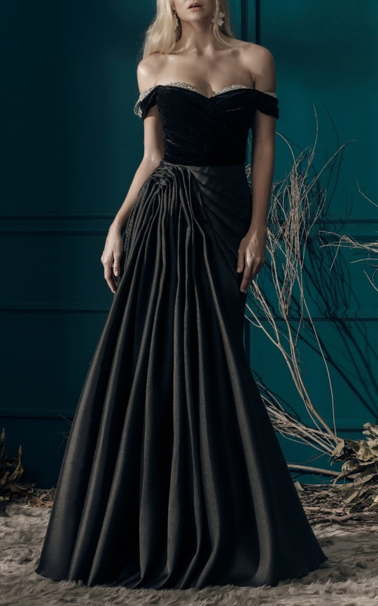 large_mark-bumgarner-black-bella-off-the-shoulder-gown