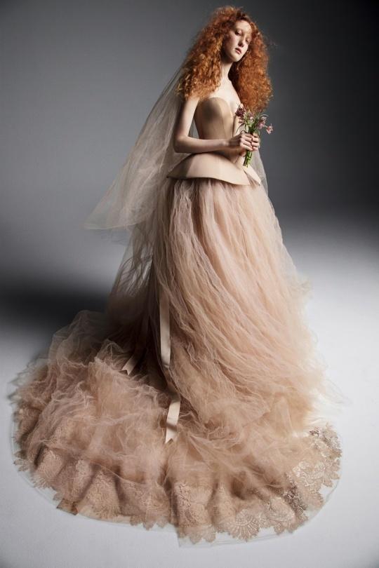 Vera-Wang-spring-2019-bridal-fashion-show-the-impression-09