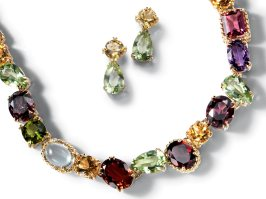 dolce-and-gabbana-jewellery-gold-earrings-necklace-garnet-gems-zoom